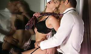 Busty babe Blake Eden puts on enticing lingerie together with does a sultry dance before enjoying a hardcore pussy hanker