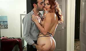 Spicy redhead Lacy Lennon peels off her evening gown coupled with hops insusceptible to her boyfriends hard dick for a wet pussy stiffie ride