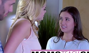 Momsteachsex - akin my teen lady putting to engulf large penis