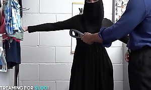 Beauty Muslim Teen Steals Underthings Got Anal Fucked