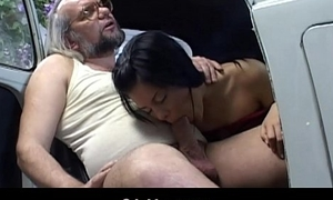 Xxx old young service in a motor car garaje
