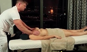 hot castle in the air massage 28