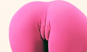 Latina Teen Cameltoe Distention in Mean Lycra Pants! Booty!