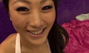 LECHE 69 Surprising Asian neonate takes it deep