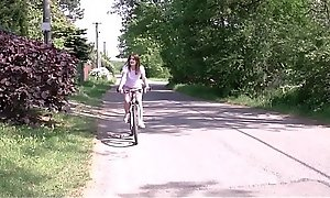 Cute Teen With Braces And A Broad in the beam Juicy Exasperation Kizzy Sixx Fucked Unconnected with Stranger After Biking Accident
