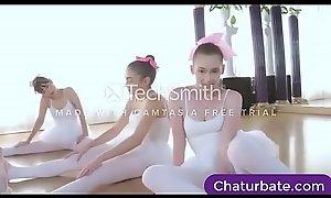 Teen Girls get helped streching - free porn cll.press/1KI9sjf