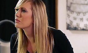 Stepdaughter find something amazing in her stepmom-full HD